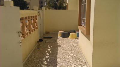 Ventes immobilieres dakar cite aliou sow villa a for Salon a vendre a dakar
