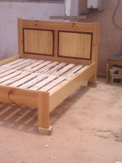 Modele De Lit En Bois Au Senegal : Decoration > Dakar > LIT EN BOIS SAPIN – Petites annonces gratuites au