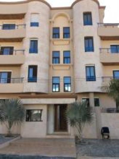 Locations dakar une tr s belle villa basse tr s moderne situ e petites annonces gratuites for Villa tres moderne