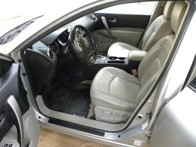 Nissan Rogue 4X4 Full Option Automatic