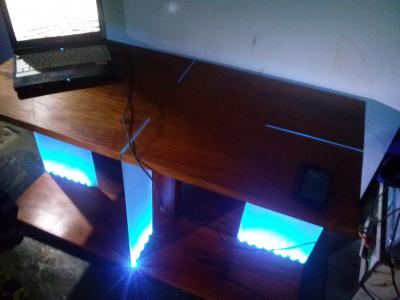 TABLE MODERNE VEILLEUSE