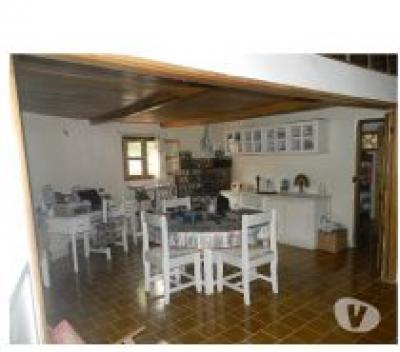 VENDS TRES BELLE MAISON TRADITIONNELLE SUR 4500M2