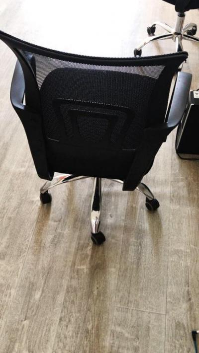 SENEGAL : Bureau + chaise à vendre Meubles et Mobiliers